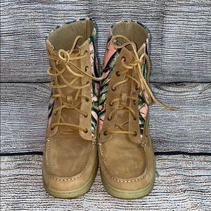 Women's Maui Island Camo Boot